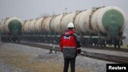 러시아 트베리주 토르조크를 지나는 유조열차. (자료사진)