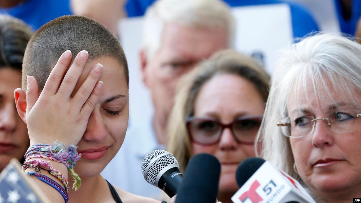 Nxënësit fajësojnë politikanët pas ngjarjes në Florida