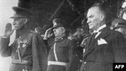 Rza şahın 1934-cü ildə Atatürklə görüşündə azərbaycan Türkçəsində danışmasının videosu