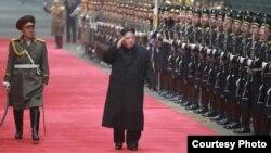 김정은 북한 국무위원장이 베트남 공식방문을 마치고 5일 전용열차로 평양에 도착했다고 북한 조선중앙통신이 보도했다. (제공: 조선중앙통신)