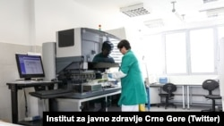 U Crnoj Gori su u posljednja 24 časa registrovana 584 nova slučaja koronavirusa, a od posljedica infekcije preminulo je osam pacijenata, saopšteno je iz Instituta za javno zdravlje (Foto: Institut za javno zdravlje Crne Gore)