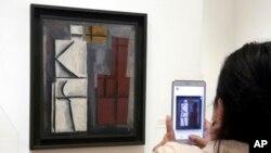 """""""Sin título"""", uno de los trabajos del artista Joaquín Torres-García, exhibido en la retrospectiva de sus obras en el Museo de Arte Moderno, MoMA, en la ciudad de Nueva York."""
