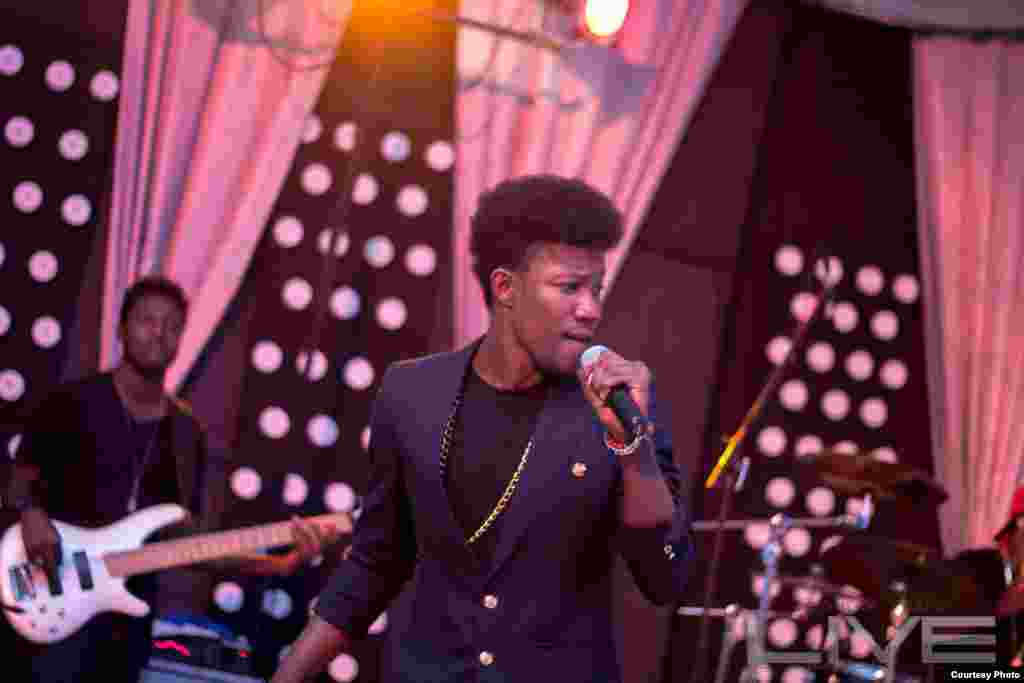 Shim performs rhythm and blues and soul music at the Kumasi show sponsored by the production company Moonlight Café Ghana. (Courtesy Moonlight Cafe)