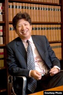 香港大律师汤家骅