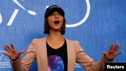 آنا لیلی امیرپور، کارگردان فیلم «دسته بد» در جشنواره ونیز