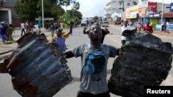 Un homme à Bujumbura, le 13 mai 2015. (REUTERS/Goran Tomasevic)