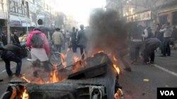 Protes kelompok oposisi anti-pemerintah yang rusuh di Teheran (foto: dok.)
