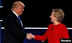 2016年美国大选两党候选人在辩论后握手(2016年9月26日)