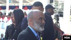 René Preval fue dos veces presidente de Haití y fue el único mandatario de la nación caribeña que no fue encarcelado, exilado o asesinado y terminó ambos mandatos.
