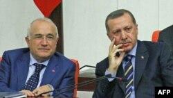 Kushtetuta e re Turqisë dhe përpjekjet për t'u shkëputur nga e kaluara ushtarake