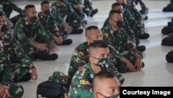 Puluhan siswa menonton bersama Pidato Presiden Joko Widodo saat Hari Lahir Pancasila 1 Juni. (Sumber: Secapa AD).