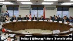Mỹ và Việt Nam cam kết tăng cường hơn nữa trong việc hợp tác về an ninh năng lượng.