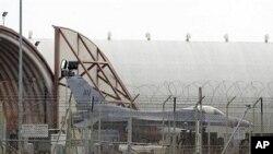 اٹلی کے ایک ہوائی اڈے پر F16 تیارکھڑے ہیں