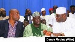 Gwamnan Neja Dr. Babangida Aliyu shi ne a tsakiya
