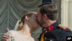 Luxembourg's Heir to Throne Weds Belgian Countess