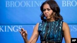Первая леди США Мишель Обама. Вашингтон, округ Колумбия. США. 12 декабря 2014 г.