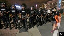 سومین شب اعتراض به کشته شدن یک مرد سیاهپوست در شارلوت
