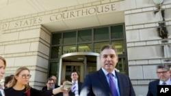 Jim Acosta ispred suda u Washingtonu