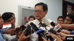 Var Kimhong, head of Cambodian Border Committee, speaks to reporters after a joint border committee meeting, Tuesday August 30, 2016.