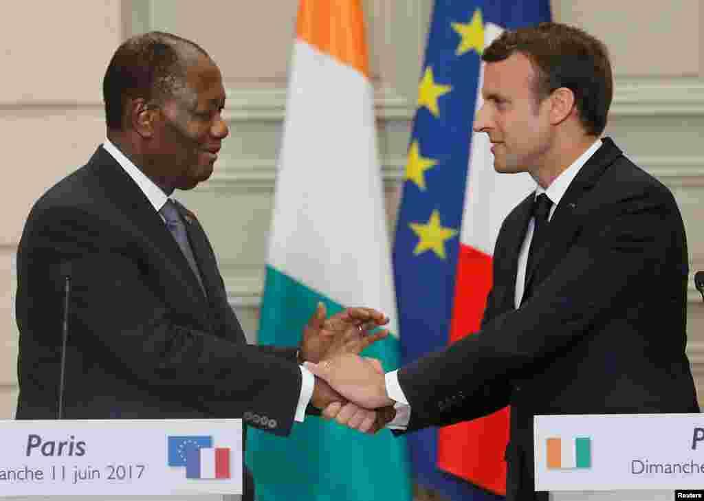 """LUNDI. Le président Emmanuel Macron et son homologue ivoirien Alassane Ouattara se sont rencontrés au Palais de l'Élysée.La France et la Côte d'Ivoire ont décidé de """"renforcer dans les prochaines semaines, de manière concrète, leur partenariats militaire et dans le renseignement"""" pour """"gagner la bataille contre le terrorisme"""". Lire la suite ici :La France et la Côte d'Ivoire renforcent leur coopération militaire"""