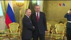 Erdoğan Moskova'da Putin'le Görüştü