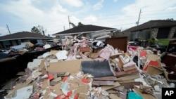 سمندری طوفان آیڈا سے لاپیلس میں تباہی کا ایک منظر، 7 ستمبر 2021