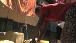 手机付费技术让更多内罗毕贫民窟居民用上洁净水