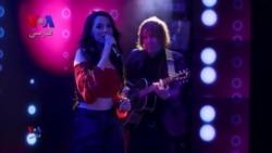 بخشی از برنامه نوروزی/ اجرای آهنگ «گل سنگم» توسط ارغوان، خواننده ایرانی سوئدی