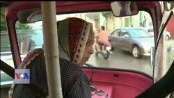 پاکستان میں رکشہ ڈرائیور خواتین