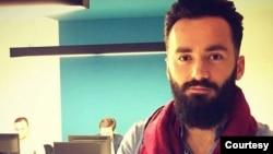 Novinar Škumbin Kajtazi već dva puta je meta napada ove godine. (Foto: Fejsbuk)