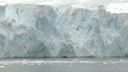 ყინული სწრაფ დნობას განაგრძობს
