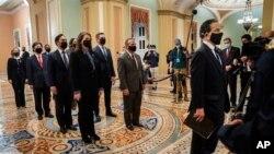 ARHIVA - Članovi Predstavničkog doma koji će na suđenju bivšem predsjedniku Donaldu Trumpu u Senatu imati ulogu tužioca (Foto: Thomson Reuters)