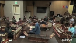 Kelompok Gamelan Jawa 'Venerable Showers of Beauty' di Portland, Oregon