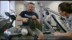 بخشی از برنامه VOA Tek  پای مصنوعی را بپوشید، به راحتی پوشیدن کفش!