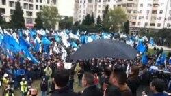 Mitinq iştirakçılarının istefa çağırışları