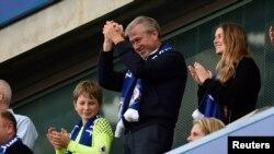 FILE - Chelsea owner Roman Abramovich applauds fans after winning the Premier League. (Reuters / Hannah McKay Livepic)