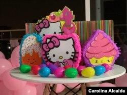 Las piñatas no faltaron en el cumpleaños de Amanda, que pese a la cuarentena celebró su cuarto aniversario.
