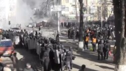 Kiev Protests: Police and Rock-Throwing Protesters Clash