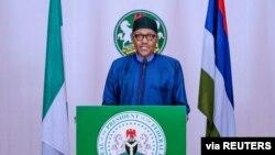 Le président nigérian Muhammadu Buhari s'adresse à la nation au sujet de la maladie COVID-19, à Abuja, au Nigeria, le 13 avril 2020.