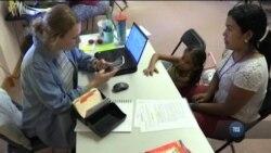 Мігранти на південному кордонні США зіштовхнулися з мовною проблемою. Відео