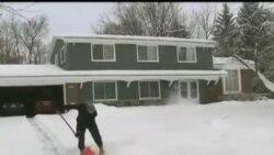 2014-01-07 美國之音視頻新聞: 美國國內受創紀錄嚴寒侵襲