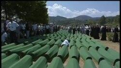 2012-07-11 美國之音視頻新聞: 波黑紀念斯雷布雷尼察大屠殺十七週年