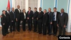 Representantes de ambas delegaciones -EE.UU. y Cuba- señalaron estar dispuestos a continuar con este tipo de conversaciones sobre asuntos de inmigración entre ambos países.