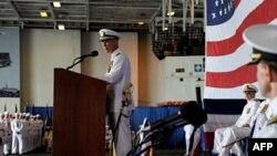Ông Honors hiện là hạm trưởng của chiếc hàng không mẫu hạm USS Enterprise