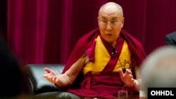 Pemimpin spiritual Tibet yang tinggal di pengasingan, Dalai Lama (foto: dok).