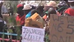 2012-01-16 粵語新聞: 尼日利亞罷工抗議後政府降低燃油價格