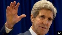 کری می گوید که واشنگتن ائتلاف جهانی ضد داعش را تقویت می بخشد