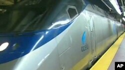 The fastest train in the US, known as Acela, reaches speeds of 241 kilometers per hour and only operates between Washington, New York and Boston