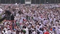 2016-12-02 美國之音視頻新聞: 印尼穆斯林抗議基督徒雅加達市長