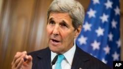 Menlu AS John Kerry memperingatkan risiko tindakan militer Rusia di Suriah (foto: dok).